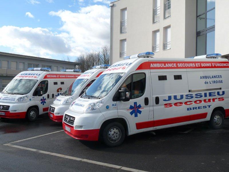 3-ambulances-cote Jussieu Secours Brest