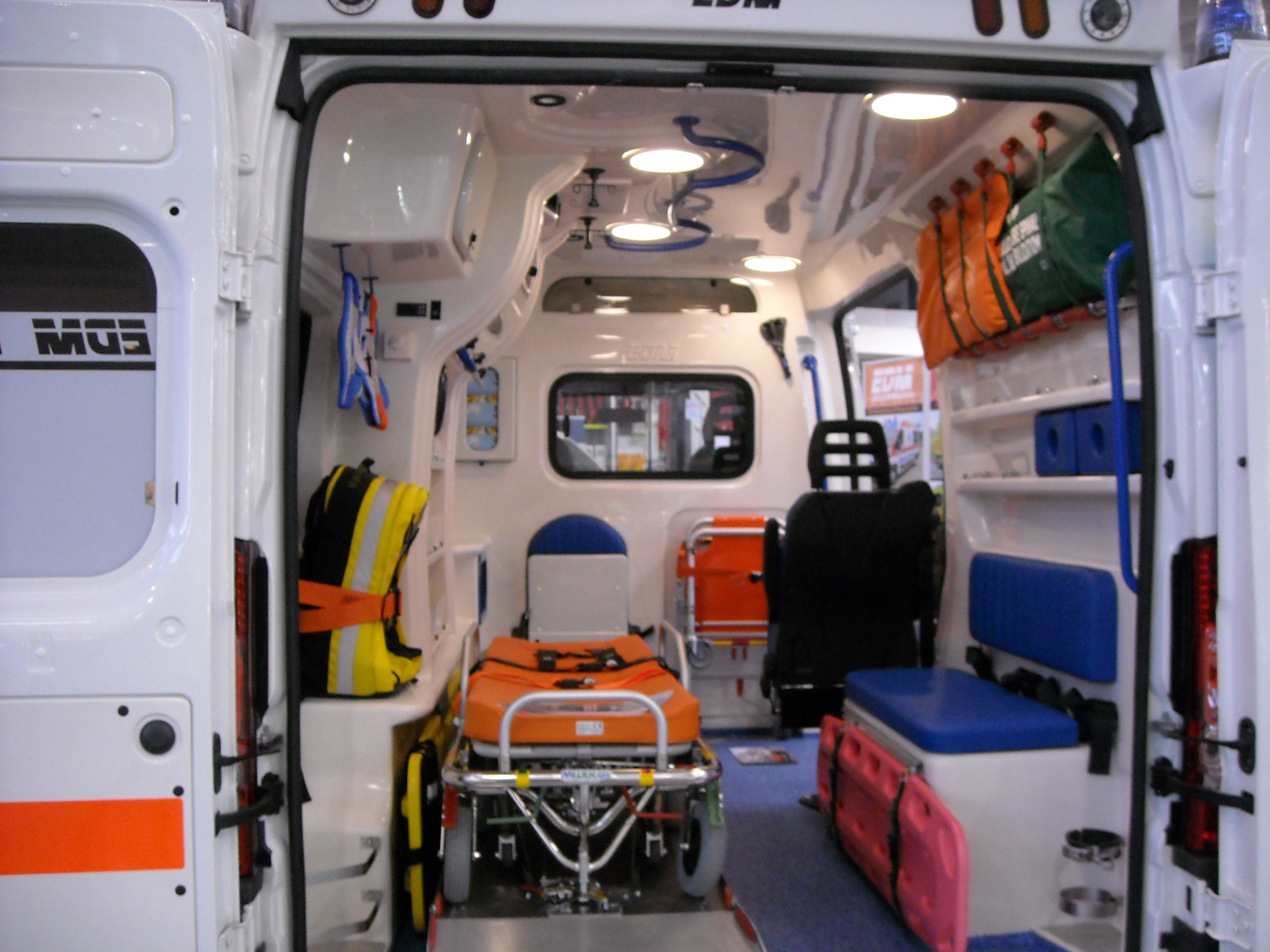 Ambulancier : la désinfection de l'ambulance