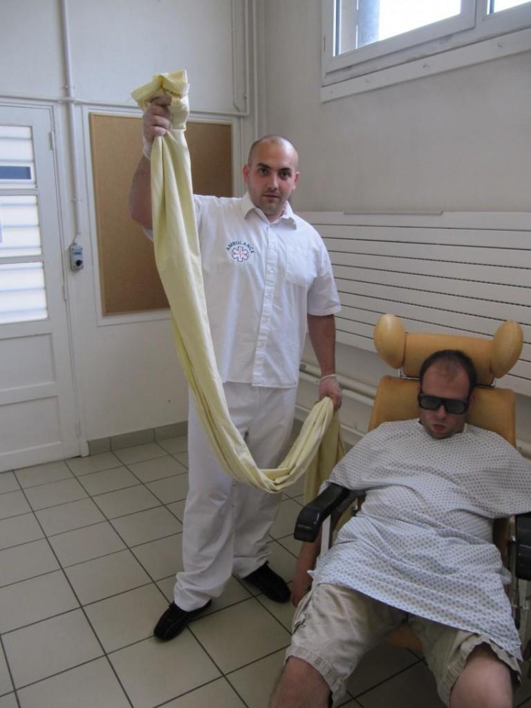 Rehaussement du patient au fauteuil avec le baudrier