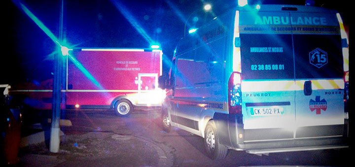 pompiers-et-ambulanciers-sur-intervention-nuit