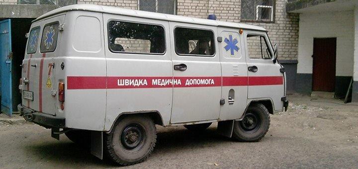 Le client, l'ambulancier et son bon de transport