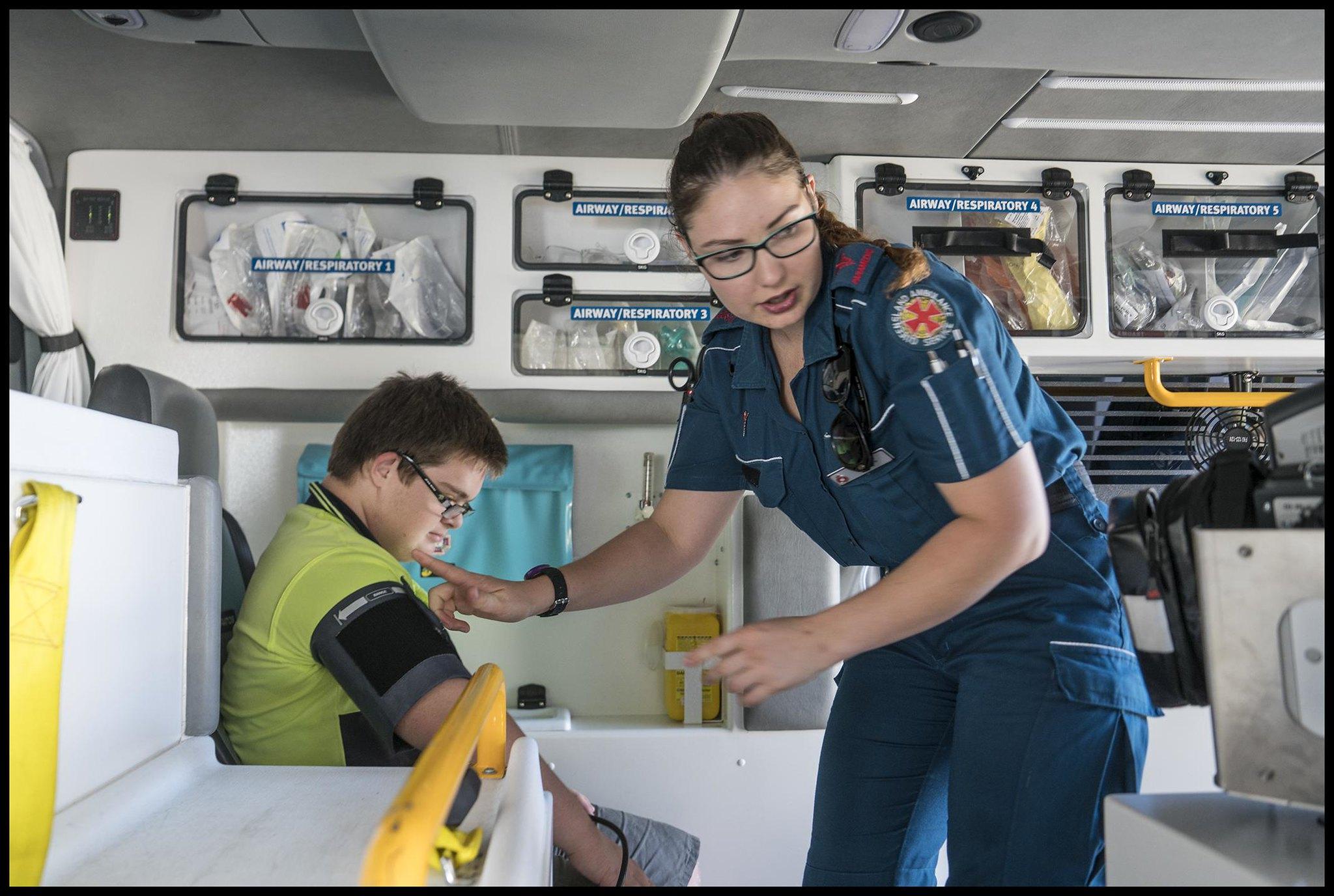 34771157885 a3ab495a17 k Ambulancier : le site de référence La Journée Nationale des Ambulanciers change de date !