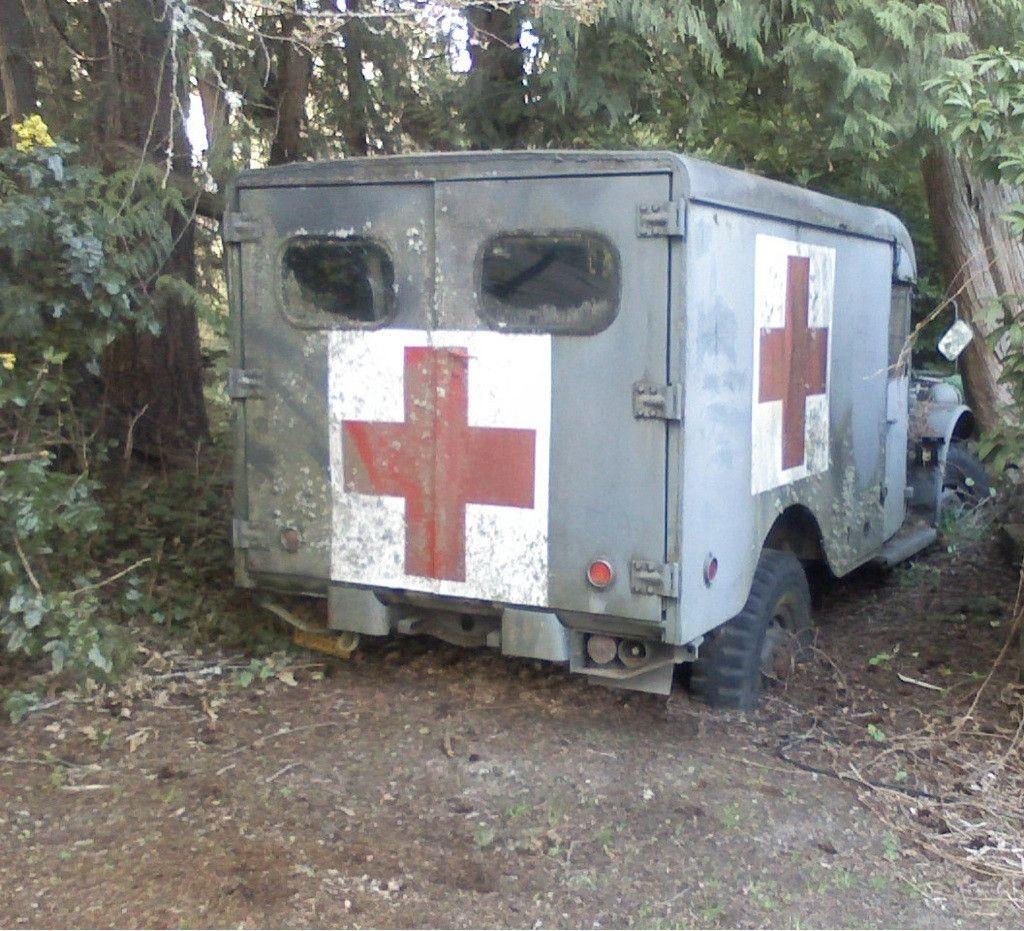 vieille-ambulanceambulancier-site-de-reference