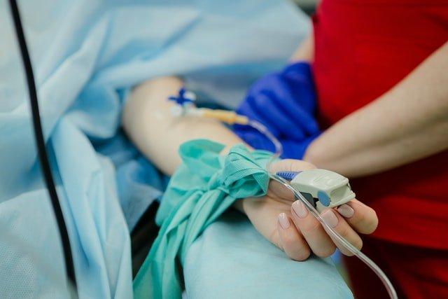 ambulance-saturometre-patient