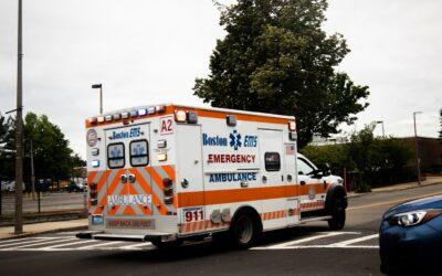 Solution et non vaccination des ambulanciers : l' auxiliaire ambulancier
